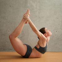 floor bow pose